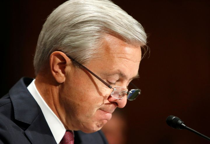 Wells Fargo CEO John Stumpf testifies before a Senate Banking Committee hearing on the firm's sales practices on Capitol Hill