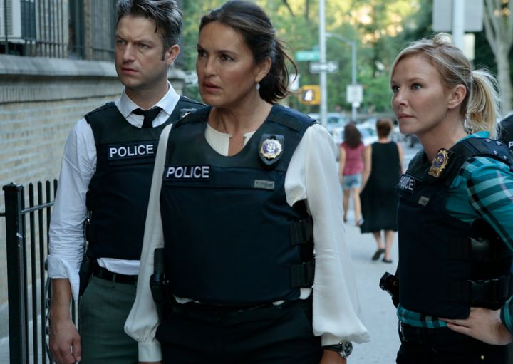 Peter Scanavino as Dominick 'Sonny' Carisi, Mariska Hargitay as Lieutenant Olivia Benson, Kelli Giddish as Detective Amanda R