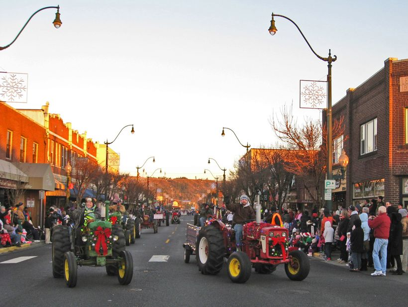 Sumner's Santa Parade is a tractor-heavy event right through the heart of downtown Sumner