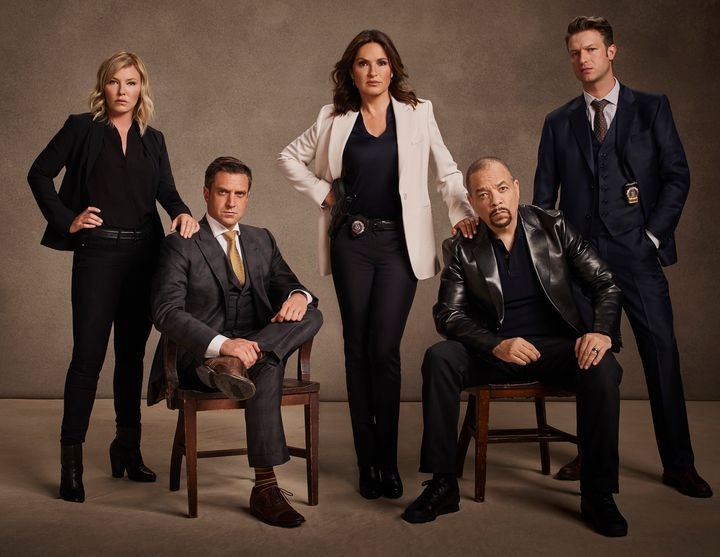 Why Law Order Svu Chose To Tackle Rape And Terrorism Huffpost