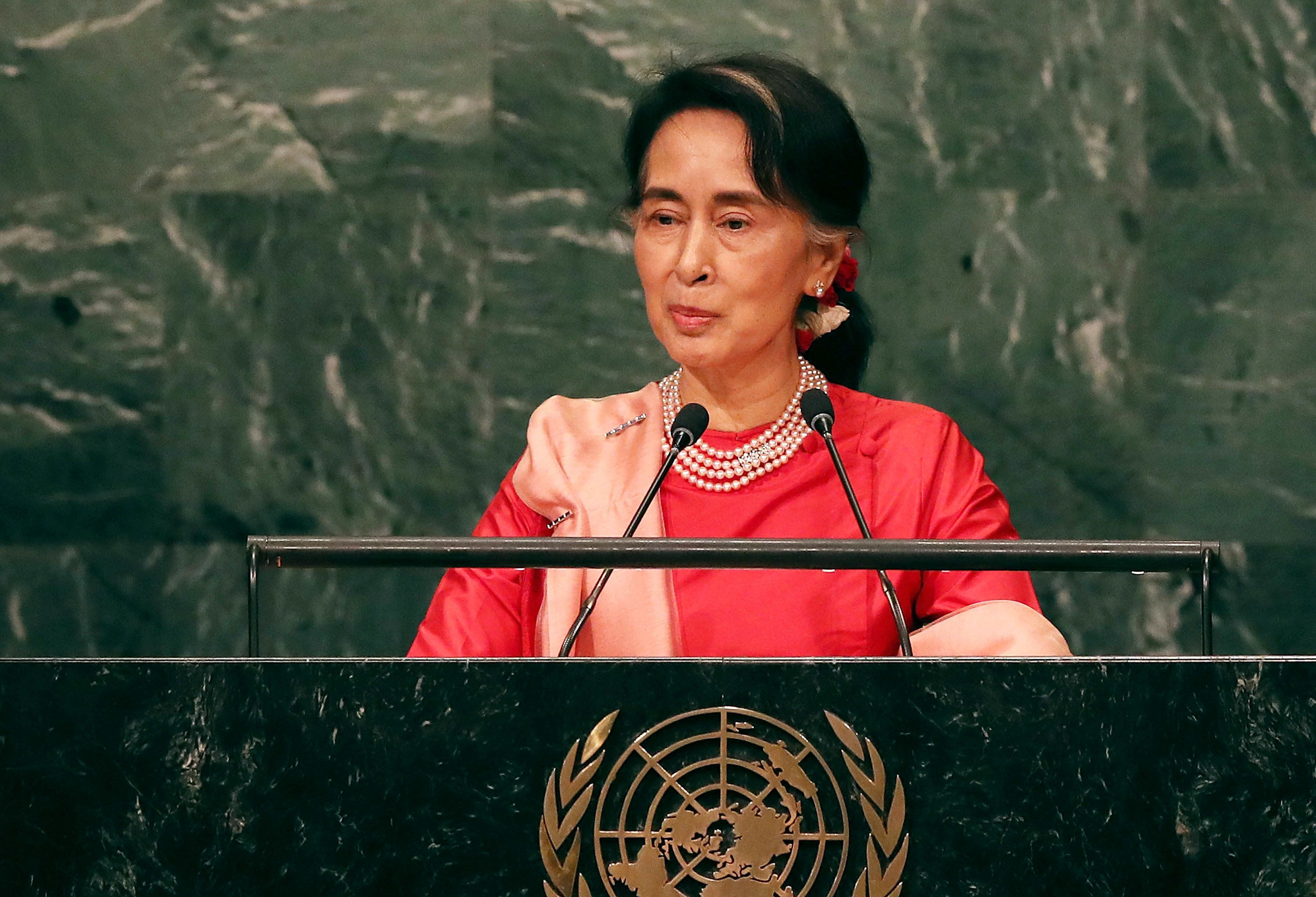 NEW YORK, NY - SEPTEMBER 21:  Myanmar leader Aung San Suu Kyi addresses the General Assembly at the United Nations on September 21, 2016 in New York City. Presidents, prime ministers, monarchs and ministers are gathering this week for the United Nation's General Assembly's annual ministerial meeting.  (Photo by Spencer Platt/Getty Images)