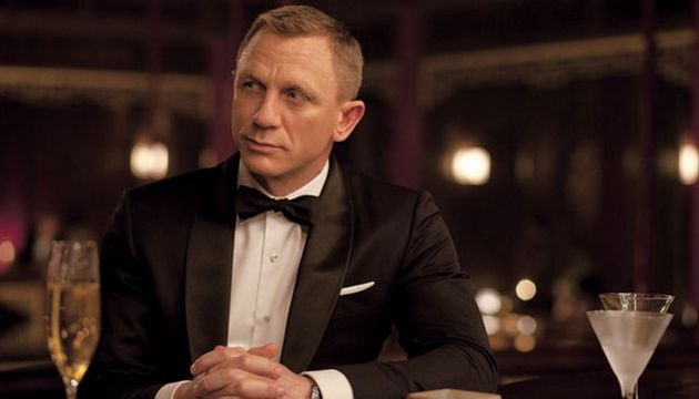 If you've ever wanted to be the next James Bond, MI6 are recruiting nearly a 1,000 new