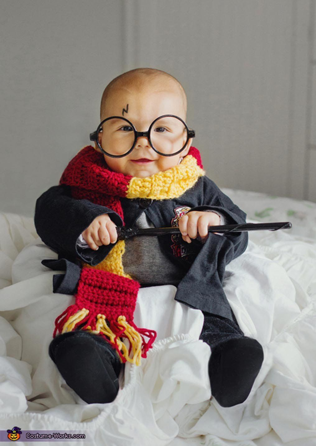 "Via <a href=""http://www.costume-works.com/costumes_for_babies/harry-potter-baby2.html"" target=""_blank"">Costume Works</a>"