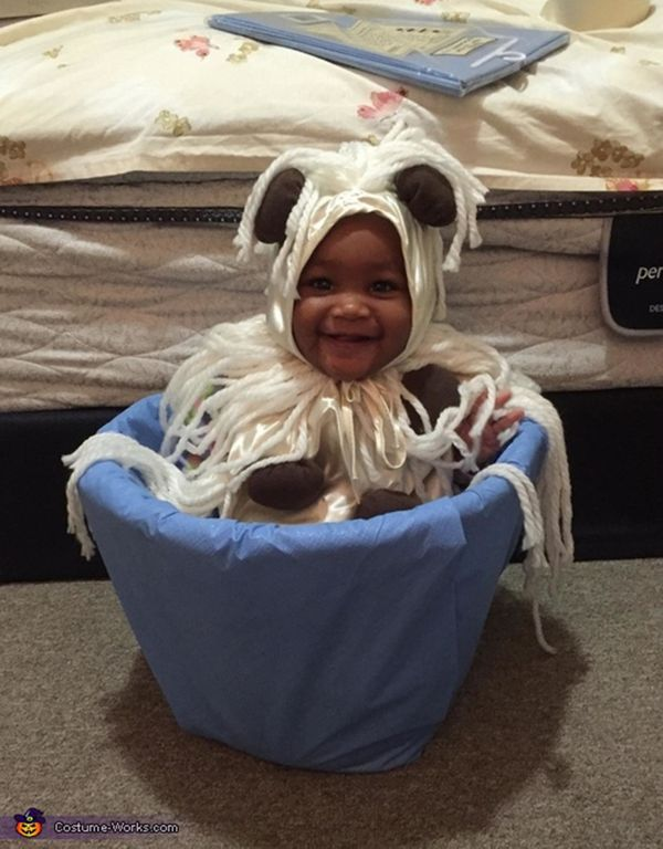 "Via <a href=""http://www.costume-works.com/costumes_for_babies/spaghetti-and-meatballs-baby.html"" target=""_blank"">Costume Work"