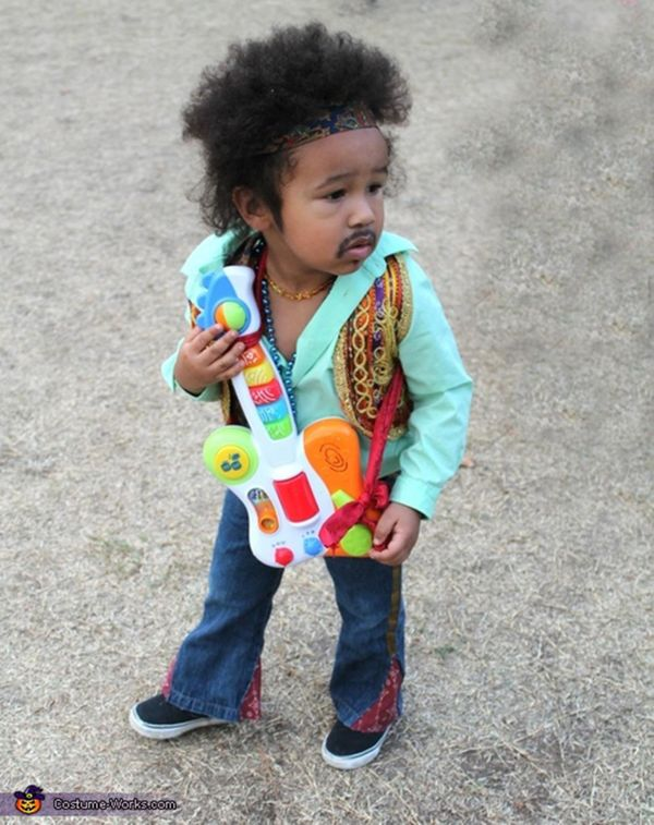 "Via <a href=""http://www.costume-works.com/costumes_for_babies/jimi-hendrix-baby1.html"" target=""_blank"">Costume Works</a>"