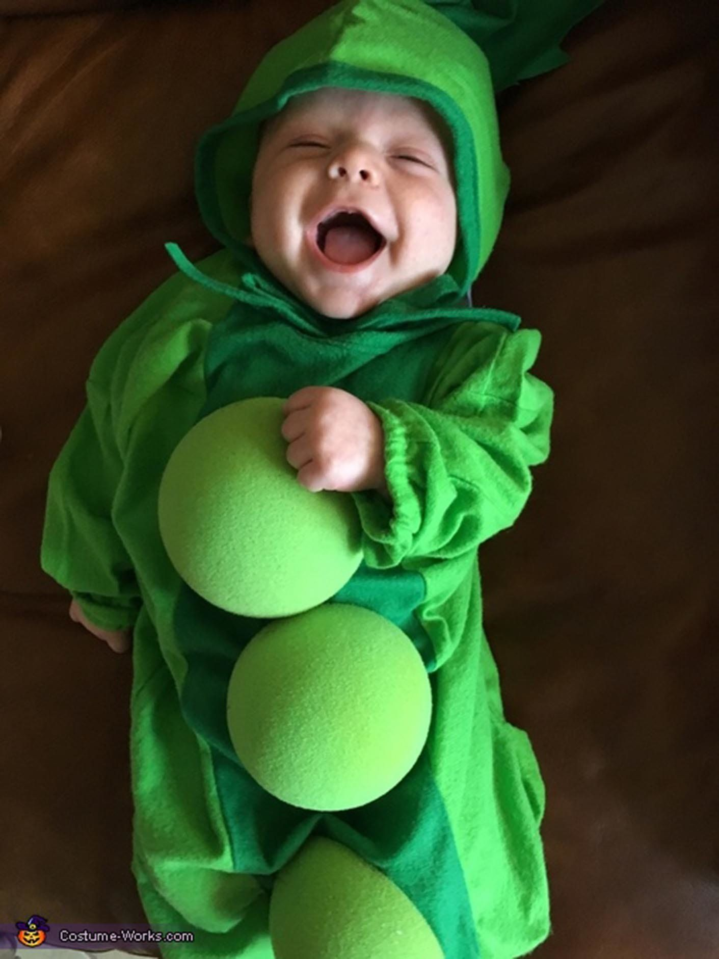 Via u003ca ...  sc 1 st  HuffPost & 35 Babies In Halloween Costumes Who Actually Couldnu0027t Be Cuter ...