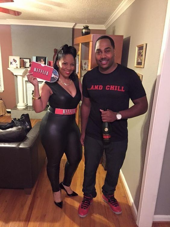 sc 1 st  HuffPost & 24 Couples Halloween Costumes That Are Anything But Cheesy | HuffPost