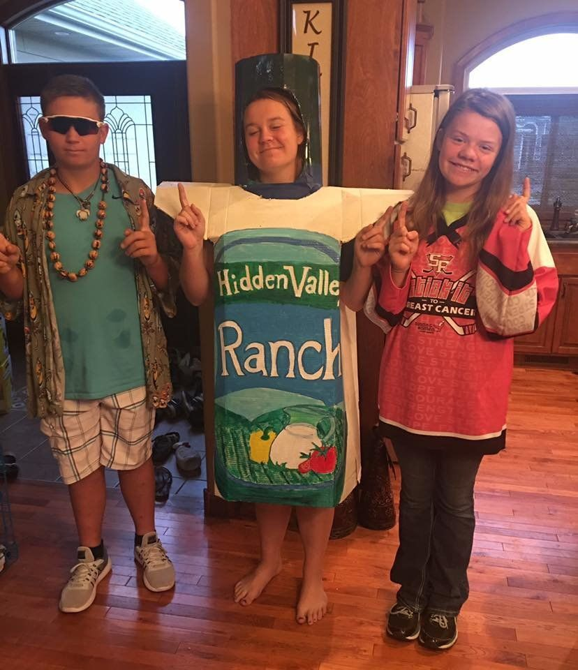 57e5e0fa1b00002e00ef1d3c?ops=scalefit_720_noupscale teen takes her south dakota high school's 'ranch day' to the next