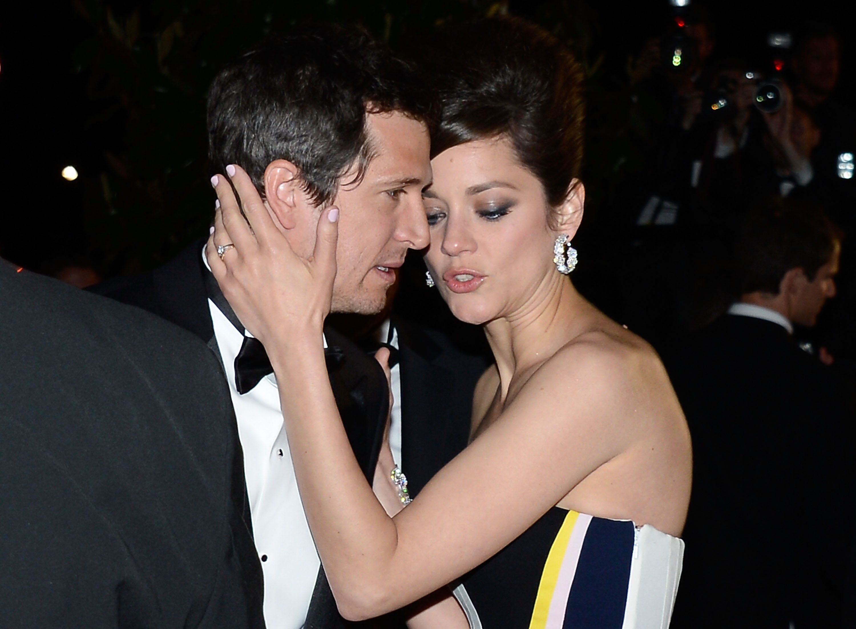 Marion Cotillard's Boyfriend, Guillaume Canet, Responds To Brangelina Affair