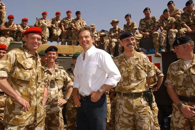 Blair meeting troops in Iraq in