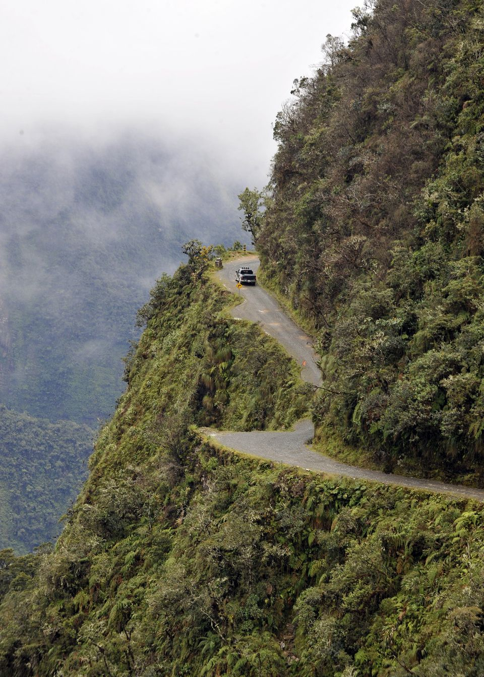 "A car&nbsp;navigates&nbsp;""<a href=""http://www.slate.com/blogs/atlas_obscura/2013/10/24/a_terrifying_tour_of_the_world_s_most"