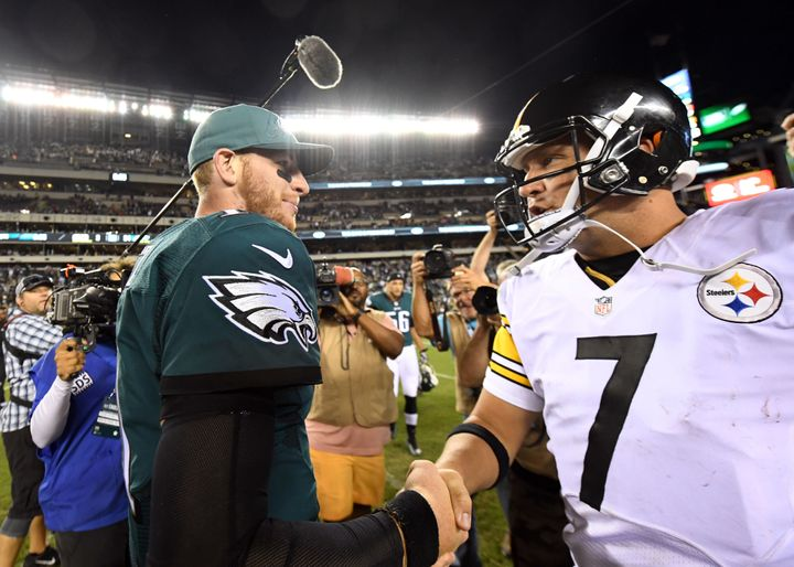 Carson Wentz outdueled Ben Roethlisberger in an impressive 34-3 Eagles victory Sunday.