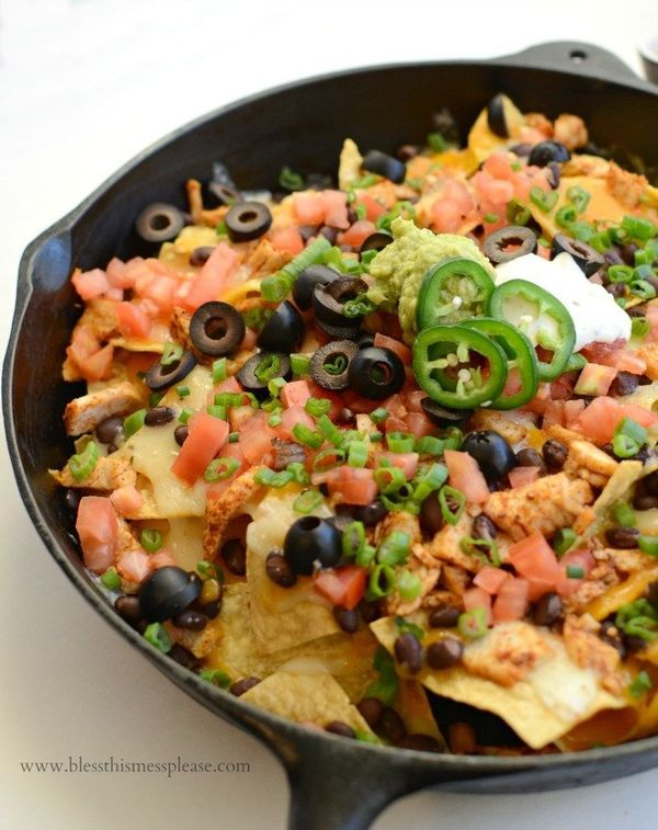 """<strong>Get the <a href=""""http://www.blessthismessplease.com/2016/01/easy-chicken-skillet-nachos.html#_a5y_p=4938789"""" target="""""""