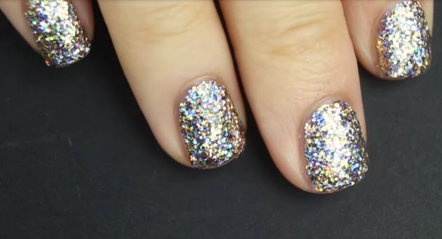 How To Apply Glitter Nail Polish, The Right