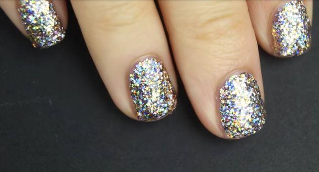 Comment appliquer le vernis à ongles à brillants de la meilleure des