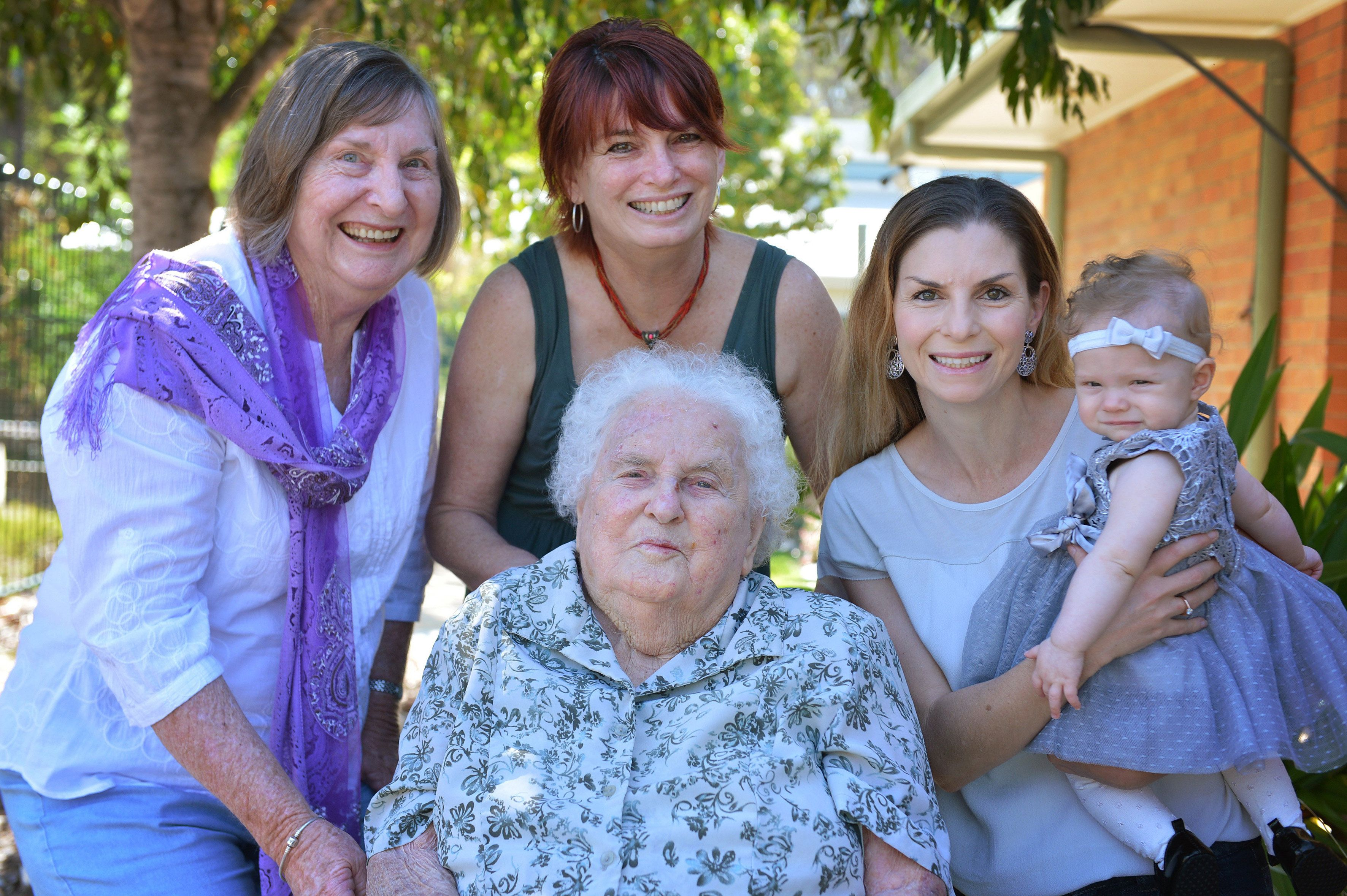Momentous Photo Features 5 Generations Of Women From Same Family