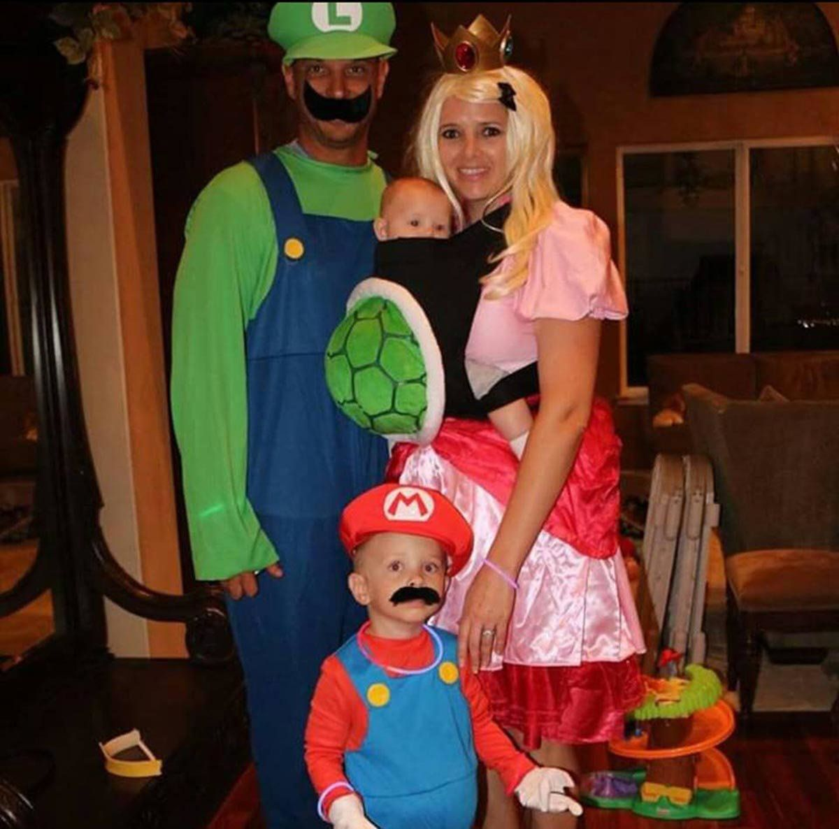 59 Family Halloween Costumes That Are Clever Cool And Extra Cute | HuffPost  sc 1 st  HuffPost : 9 month old halloween costume  - Germanpascual.Com