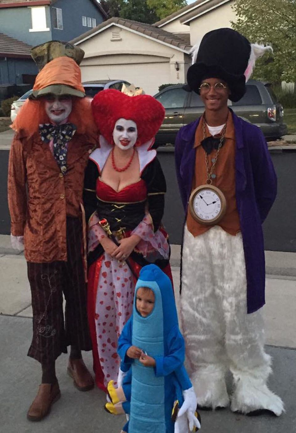 Trio Halloween Costume Ideas 2019.59 Family Halloween Costumes That Are Clever Cool And Extra Cute