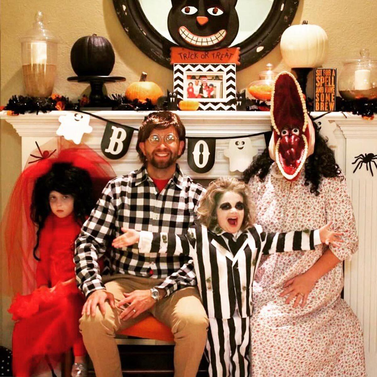 1 u201cBeetlejuiceu201d Family  sc 1 st  HuffPost & 59 Family Halloween Costumes That Are Clever Cool And Extra Cute ...