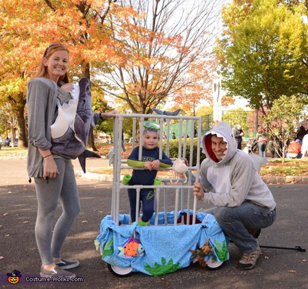"""Via <a href=""""http://www.costume-works.com/costumes_for_families/under-the-sea2.html"""" target=""""_blank"""">Costume Works</a>"""
