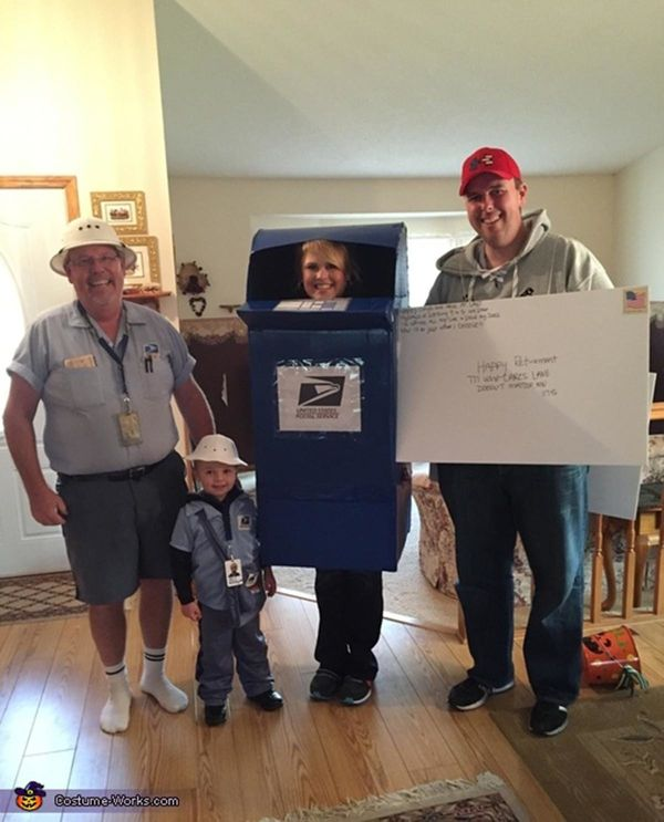 """Via <a href=""""http://www.costume-works.com/costumes_for_families/united-states-postal-service.html"""" target=""""_blank"""">Costume Wo"""