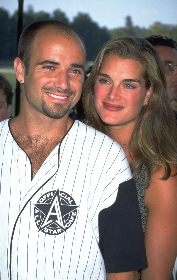 The couple began datingin 1993 and married in 1997. They divorced in 1999.