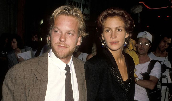 """Kiefer Sutherland and Julia Roberts attend the """"Flatliners"""" Hollywood Premiere on Aug. 6, 1990, in Hollywood, California."""