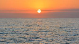 Baltic Sea at Sunrise, Zingst, Darss, Fischland-Darss-Zingst, Mecklenburg-Western Pomerania, Germany