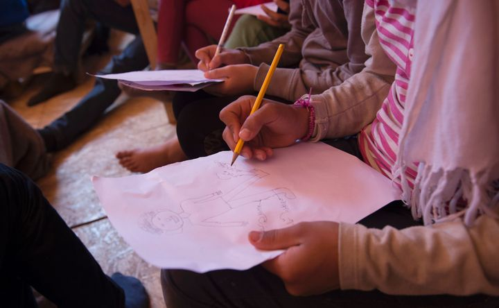 Parents associations in Greece are unhappy with the Ministry of Education for allowing refugee children to attend public scho