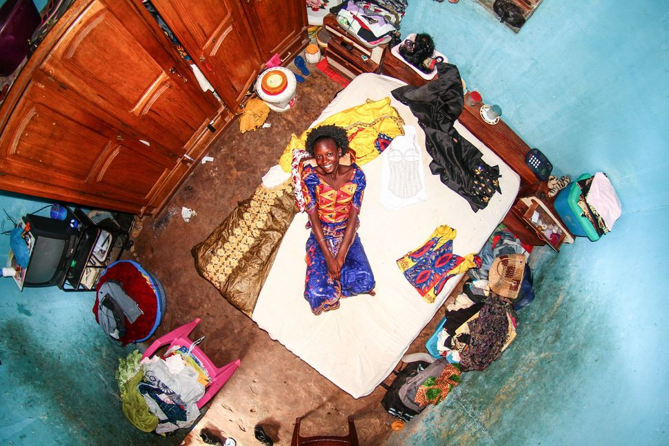 Room #733: Fatou is a 17-year-old seamstress.