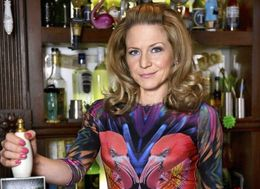'EastEnders' Spoiler! Here's When Linda Carter Will Be Back In Walford