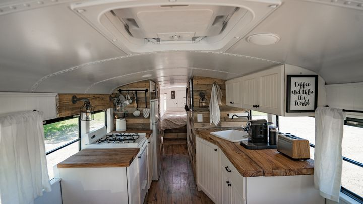 This Handy Couple Turned A Bus Into An Incredible ... on bus with bullet holes, vw bus made into home, bus wheelchair inside, bluebird bus tiny home, school bus conversion into home, my bus home, hippie bus made into home, bus earrings, bus ride home,