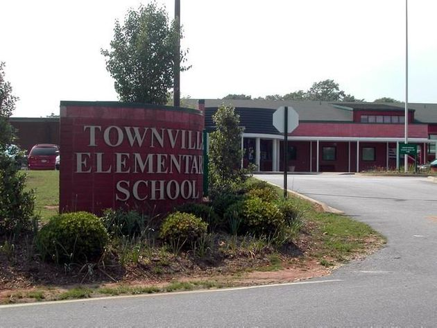 Three Injured In Shooting At South Carolina Elementary