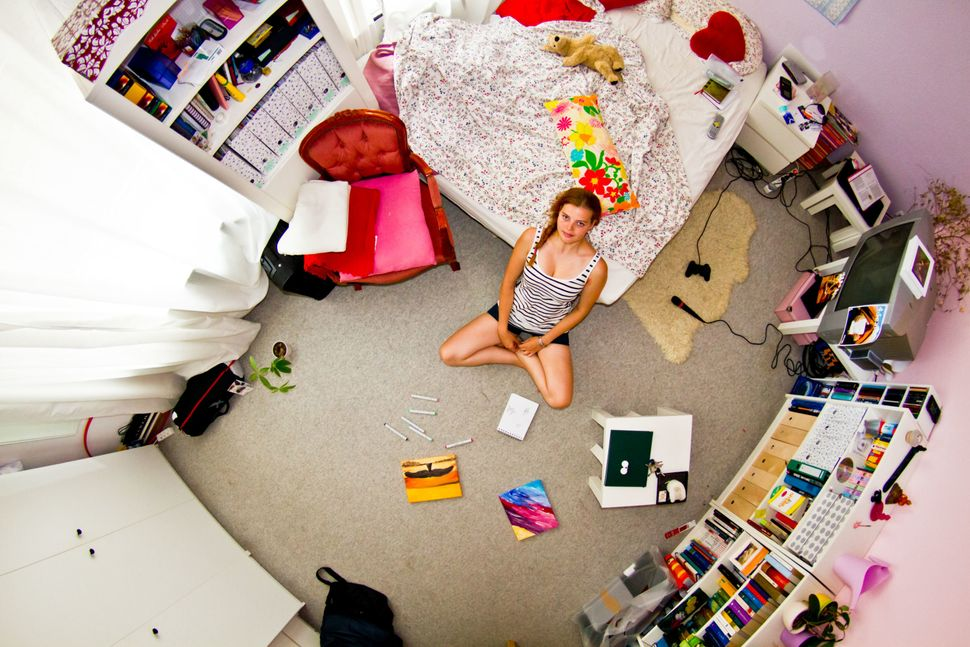 Room #571: Maja is a 22-year-old architecture student.