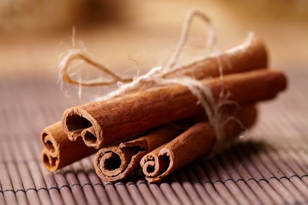 "It can be <a href=""http://www.huffingtonpost.com/2013/09/03/cinnamon-beauty-benefits_n_3857058.html"" target=""_hplink"">used as"