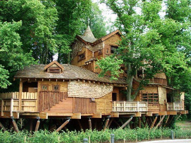 The Tree House at Alnwick Garden, England.