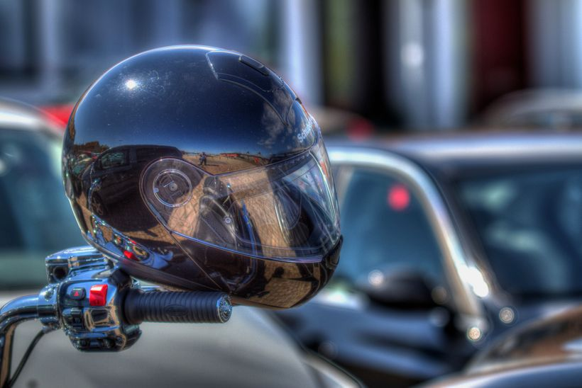 """Are You Looking For A <a href=""""http://motorcyclecentral.net/best-motorcycle-helmet/"""">Best Helmets On The Market</a>?"""
