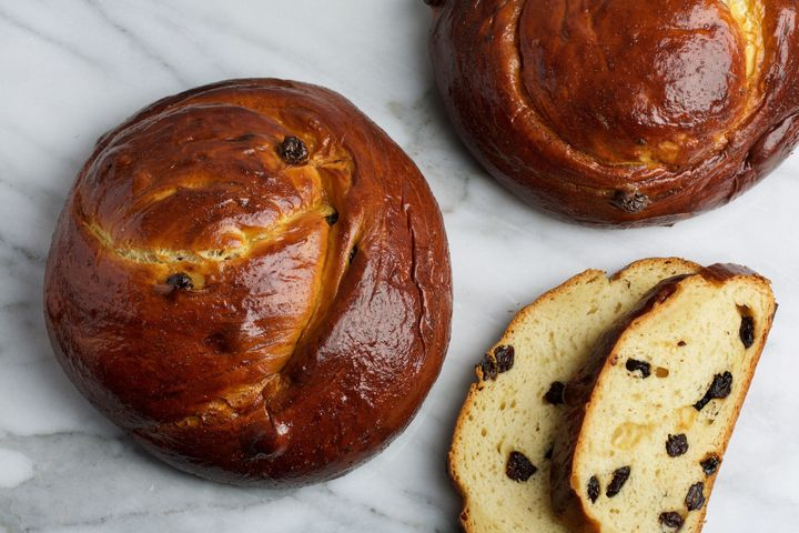 Traditional Rosh Hashanah foods include apples and honey, raisin challah, honey cake and pomegranate.