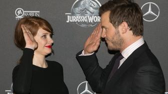 PARIS, FRANCE - MAY 29:  Actors Bryce Dallas Howard and Chris Pratt attend the 'Jurassic World' Premiere at Cinema UGC Normandie on May 29, 2015 in Paris, France.  (Photo by Marc Piasecki/Getty Images)
