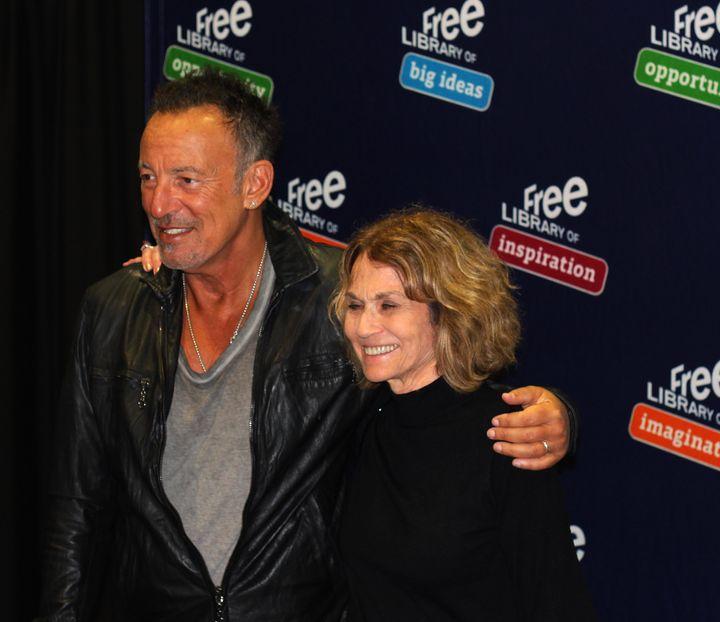 Sandra Kolber gets her long-awaited moment with Bruce Springsteen