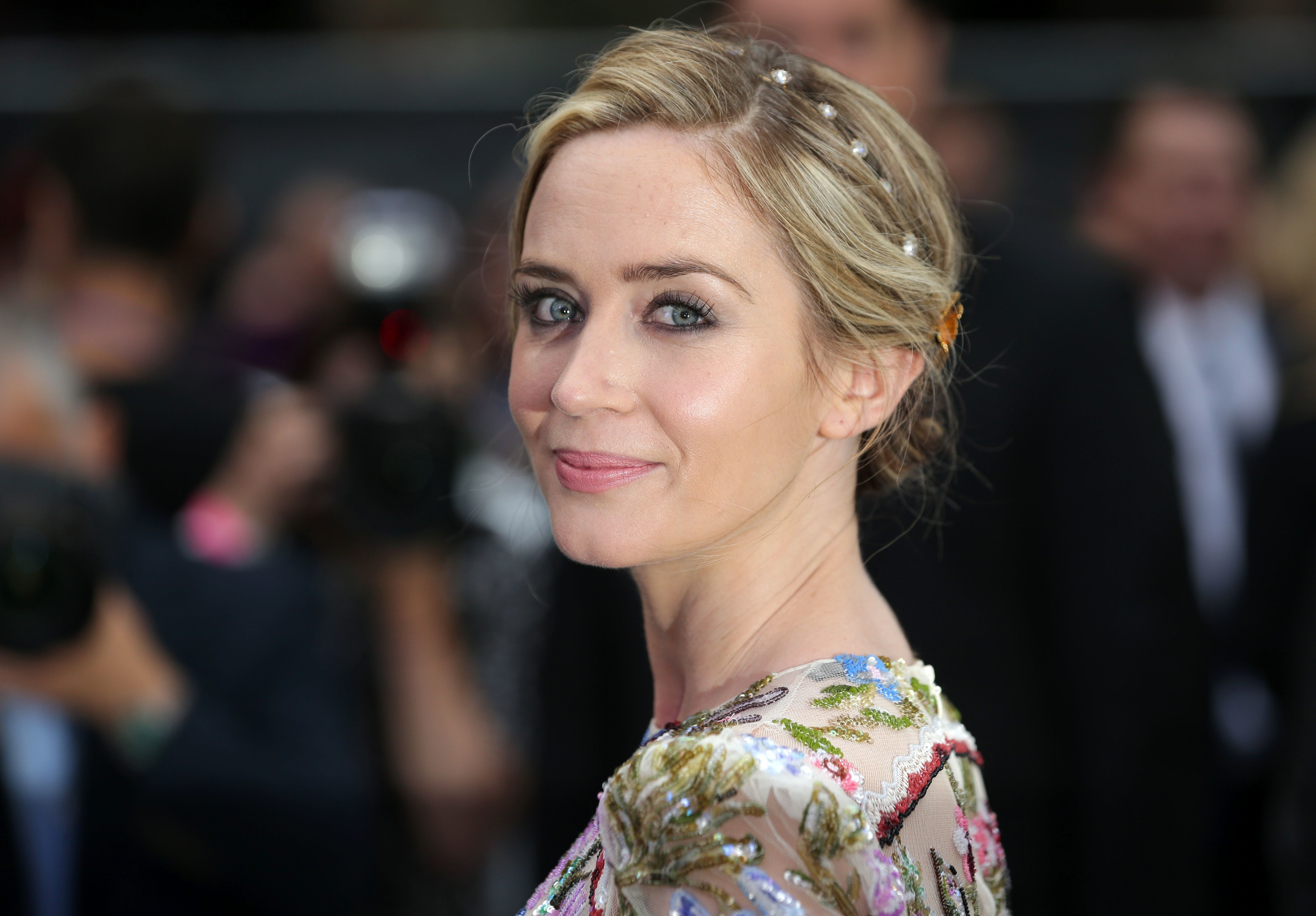 Emily Blunt Clears Up Puzzling 'The Girl On The Train'