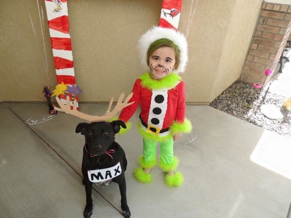 30 perfect halloween costumes for kid and dog bffs huffpost - Baby Grinch Halloween Costume