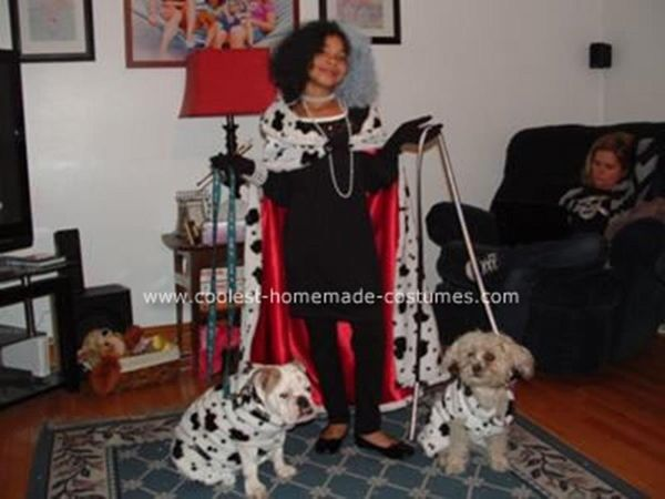 """Via <a href=""""http://www.coolest-homemade-costumes.com/101-dalmatians-costumes-2.html"""" target=""""_blank"""">Coolest Homemade Costum"""