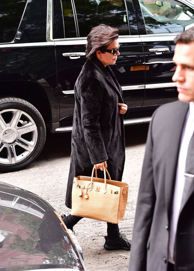 Kris Jenner arrives to Kim Kardashian's Manhattan apartment on Oct. 3, 2016 in New York