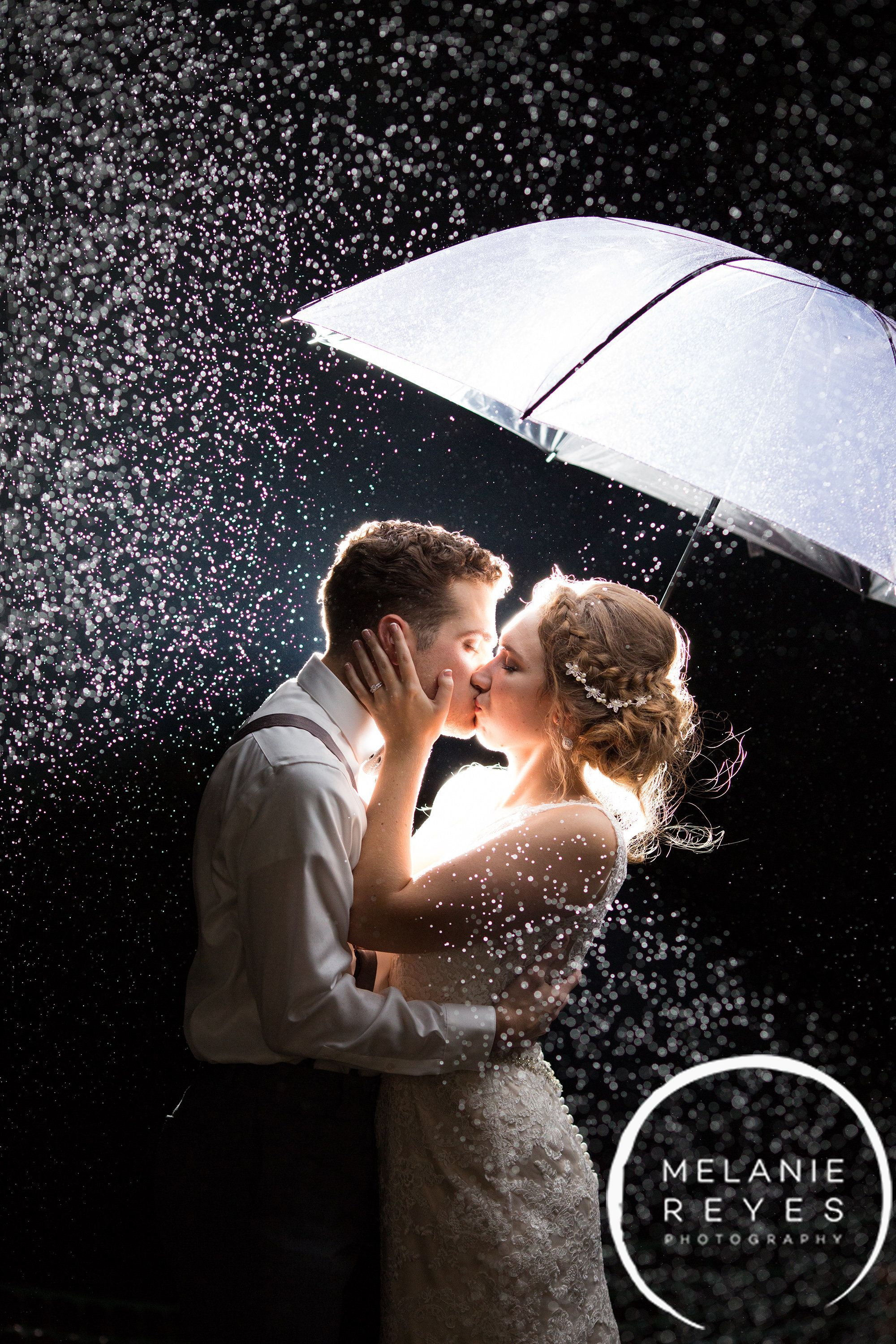 21 Utterly Charming Real Wedding Photos To Kick Off