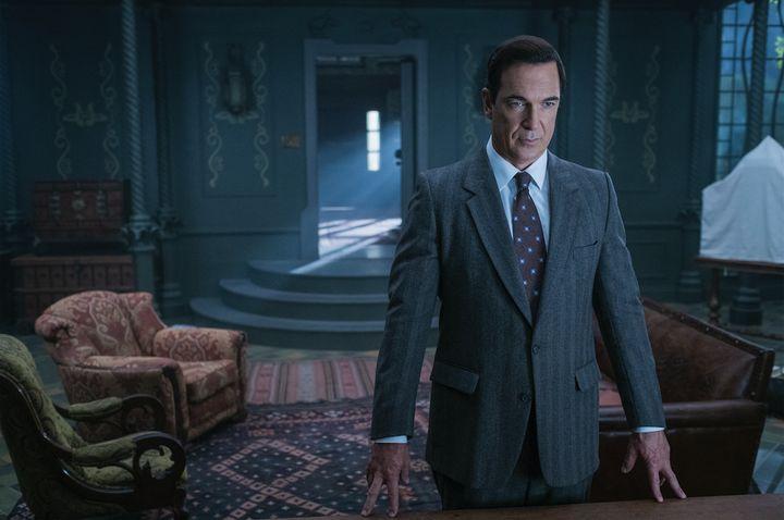 Patrick Warburton as Lemony Snicket.