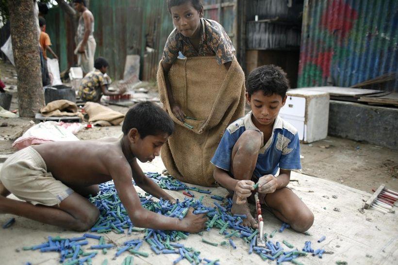 Children working in a Bangladesh factory