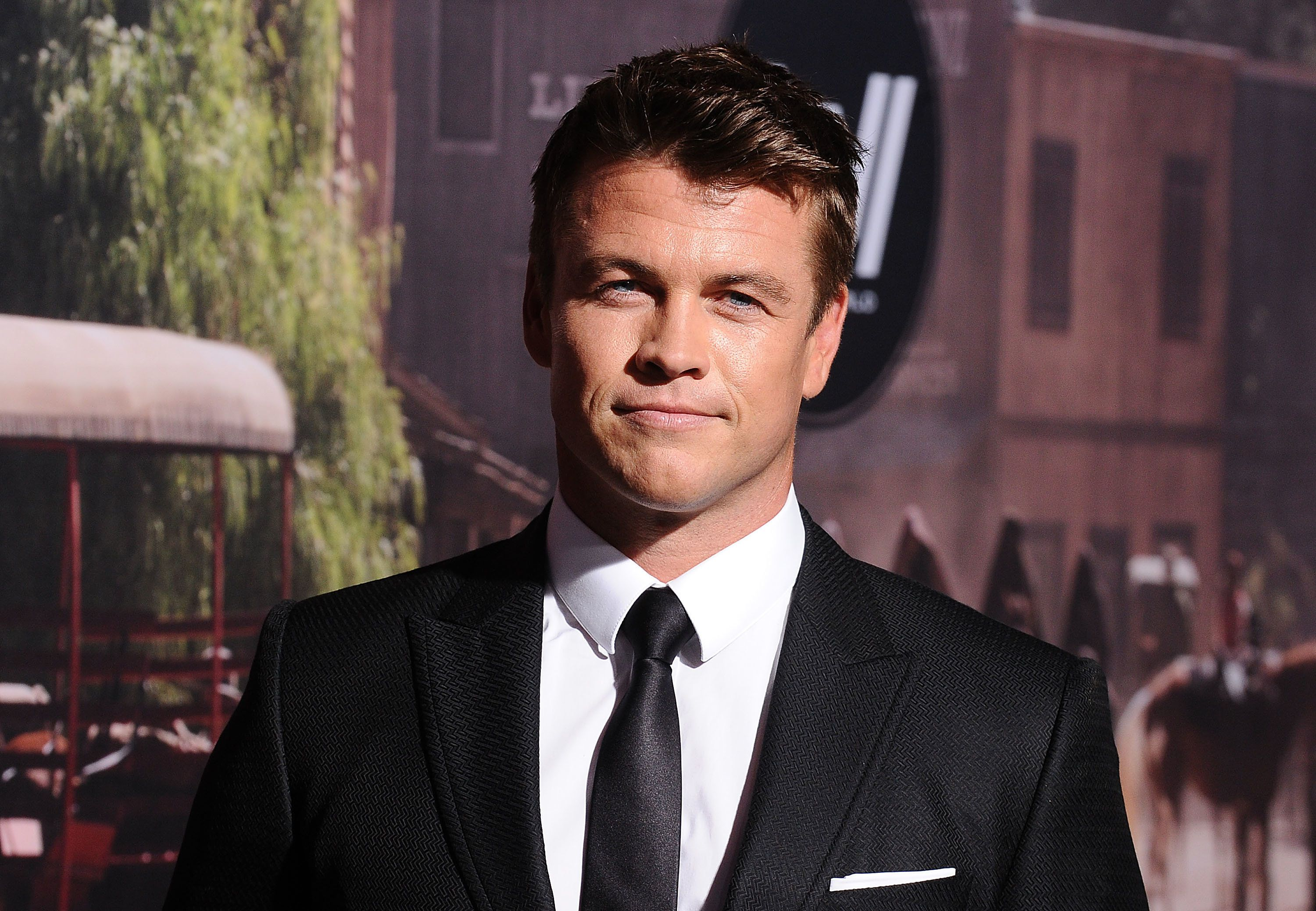 HOLLYWOOD, CA - SEPTEMBER 29:  Actor Luke Hemsworth attends the premiere of 'Westworld' at TCL Chinese Theatre on September 28, 2016 in Hollywood, California.  (Photo by Jason LaVeris/FilmMagic)