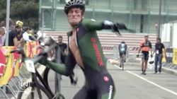 ROAD RAGE! Angry Cyclist Destroys Friend's Bike After