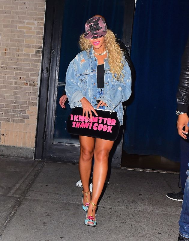 Beyoncé Is Trying To Tell Us Something With Her Clutch